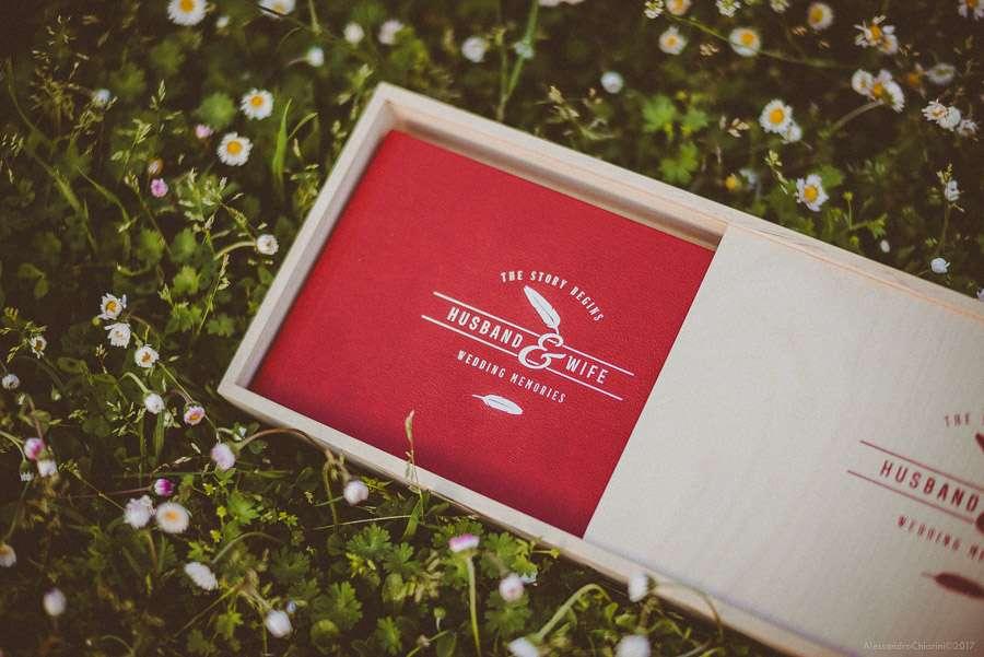 fotolibro di matrimonio con box in legno e chiavetta usb
