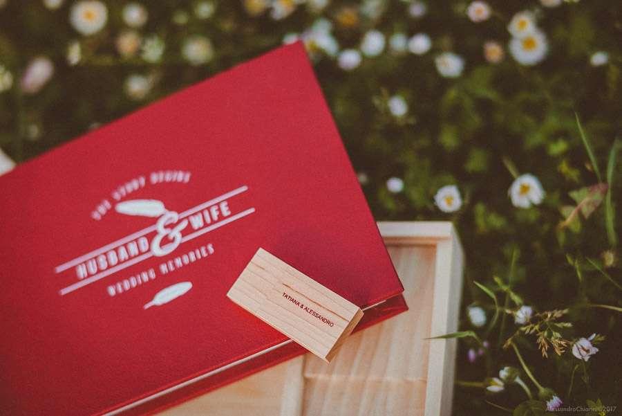 album di matrimonio con scatola in legno e chiavetta usb