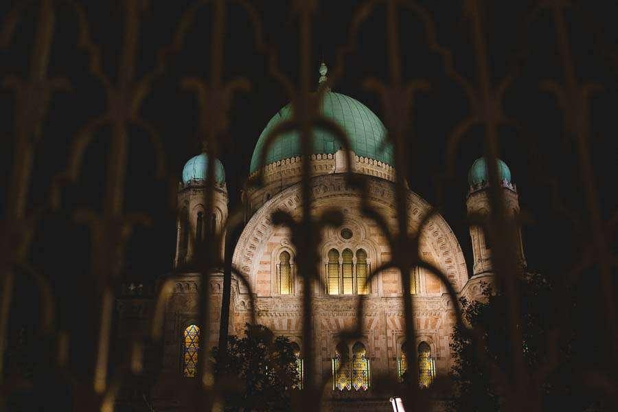 Synagogue of Florence Italy wedding photographer